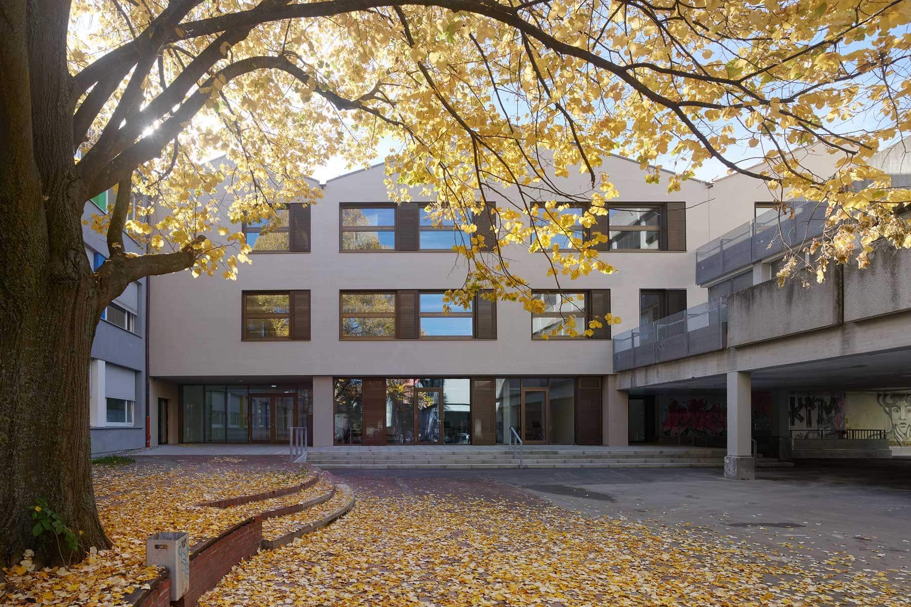 Friedrich-List Schule, Ulm – Schulhof